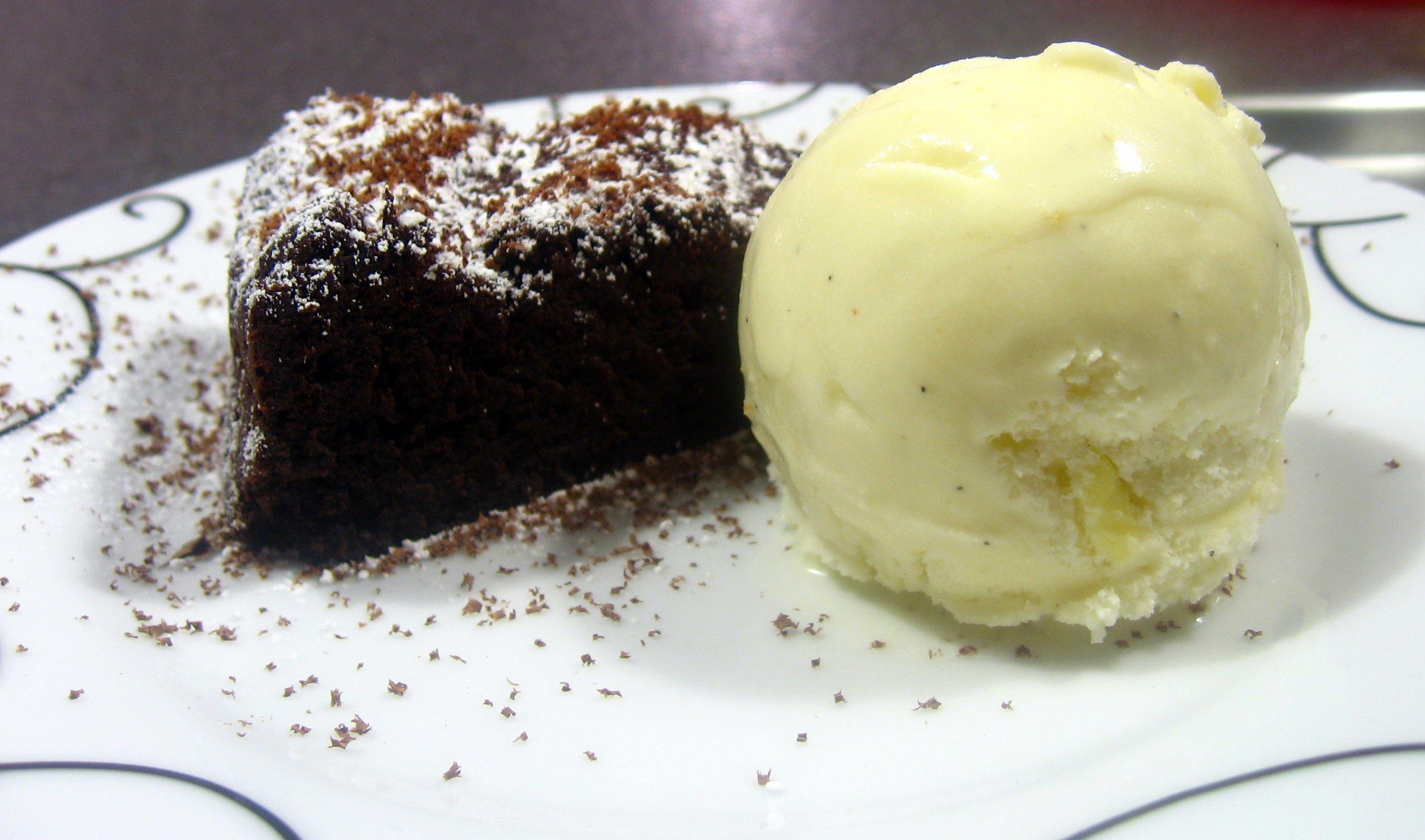 chokoladekage uden mel chokolade valentinoflourless chocolate cake chocolate valentino menu