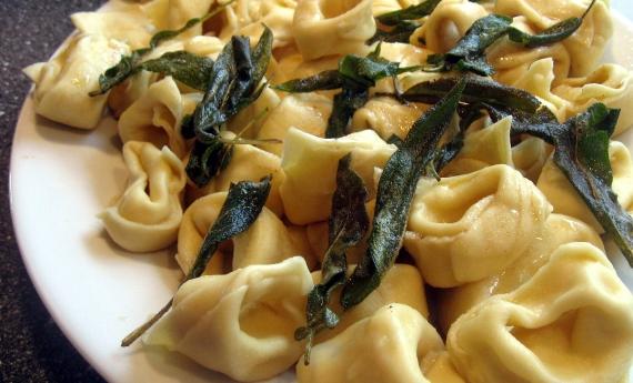 Tortellini med ricotta, pecorina og savliesmør