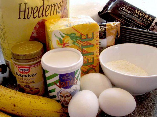 Ingredienserne til banankagen
