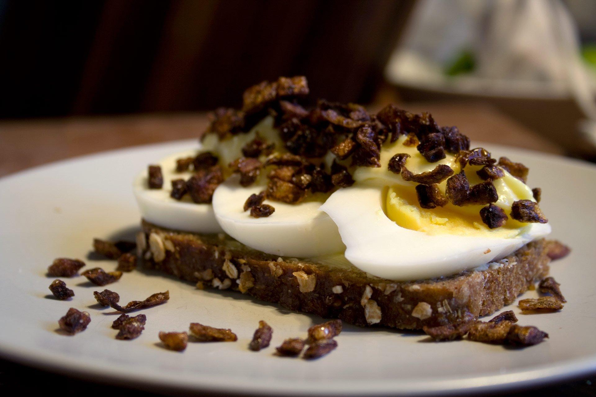 Æggemad med ristede løg
