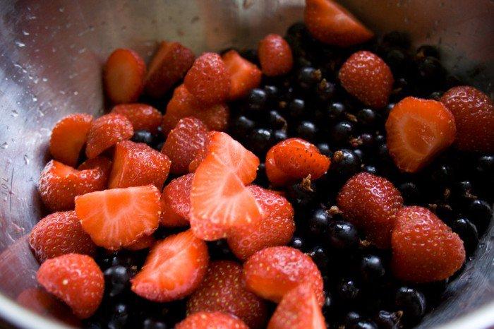 Skyllede jordbær og solbær