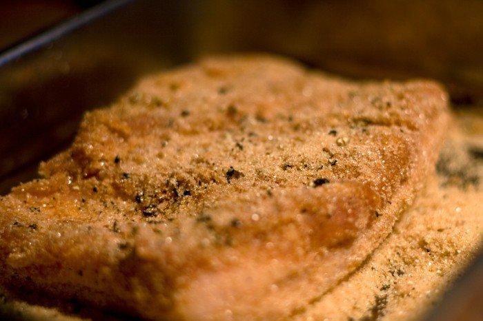 Kødet dækkes af krydderblandingen