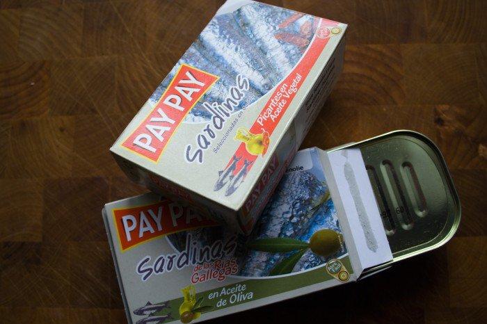 PAY PAY sardiner - en med chili og en uden