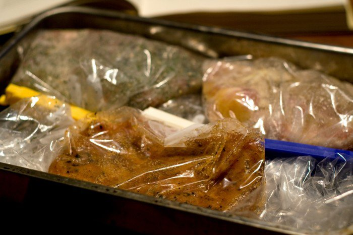 Tre slags hjemmelavet bacon på vej i køleskabet