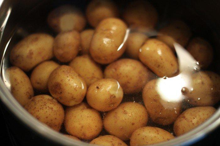 Kartofler i gryden