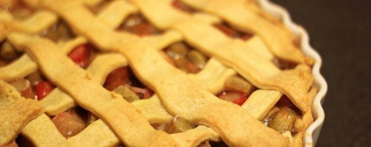 Friskbagt rabarbertærte