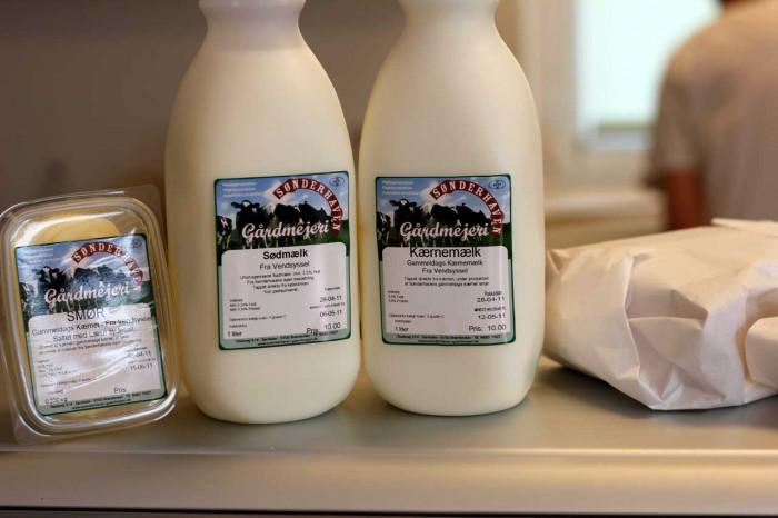 Sønderhavens gårdmejeris mælk og smør