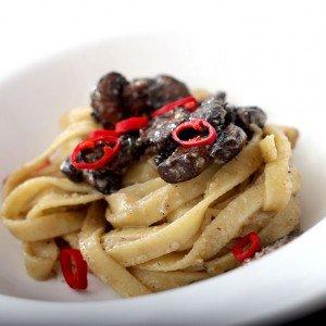 <b>Pasta med ristede markchampignoner, rosmarin og chili</b>