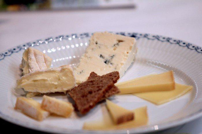 Tallerken med Arla Unika oste