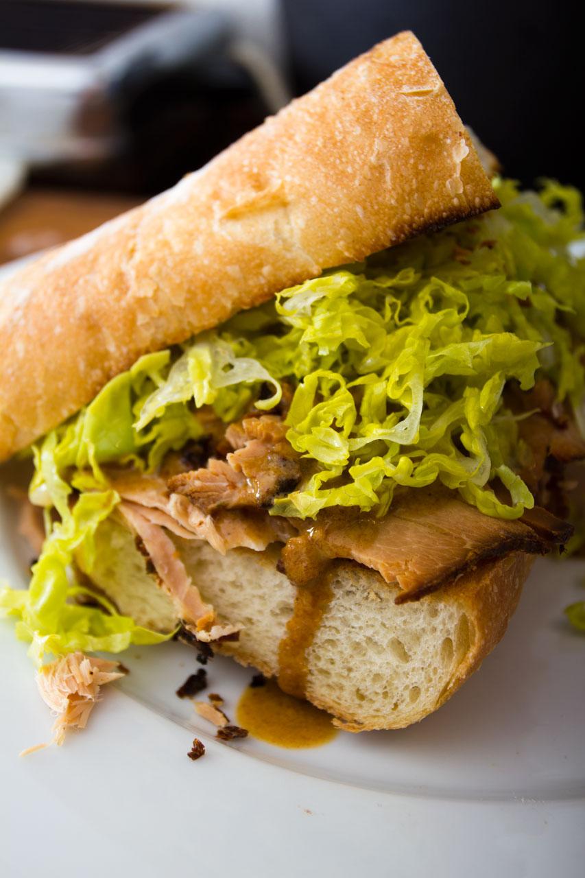 Sandwich på confiteret grissebasse