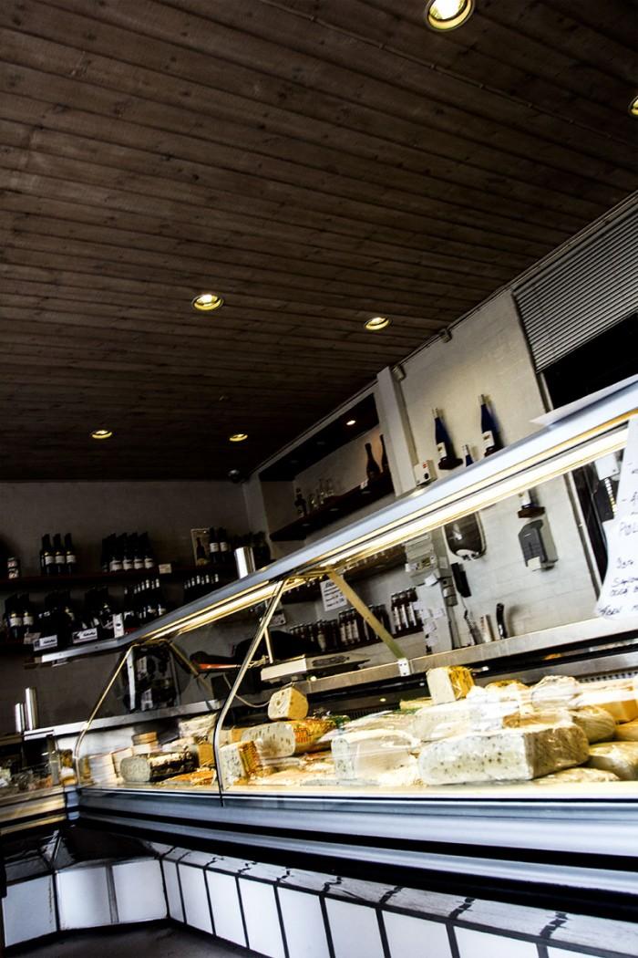 Vebbestrub Fløde is sælger meget andet end is i deres butik