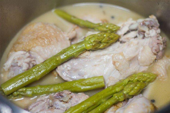 Grund fond og kylling efter 35 i trykkoger