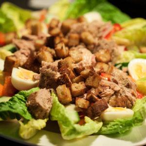 <b>Salade niçoise - mad på budget dag 9</b>