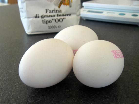 3 æg, 300g tipo 00 mel